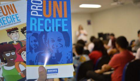 Prouni Recife abre inscrições para bolsas de estudo