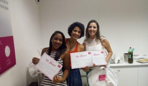 Empresa premia melhores alunas de Estética e Cosmética