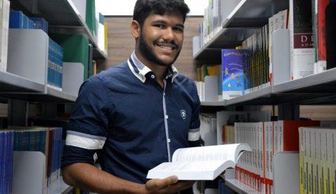 Bruno Ananias - Aprovado na OAB antes de concluir a graduação