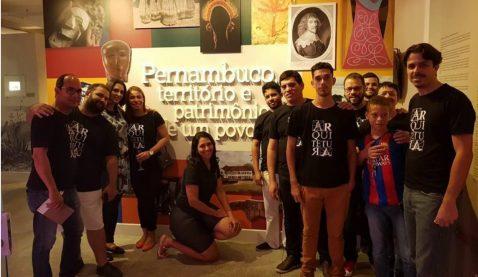 Estudantes de Arquitetura visitam mostra sobre história de PE