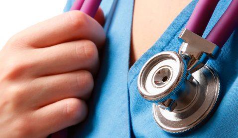 Pesquisa diz que 23% dos profissionais da área são graduados em Enfermagem