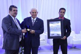 Reitor da UNIT-SE e fundador do Grupo Tiradentes recebe Título de Cidadão Jaboatonense